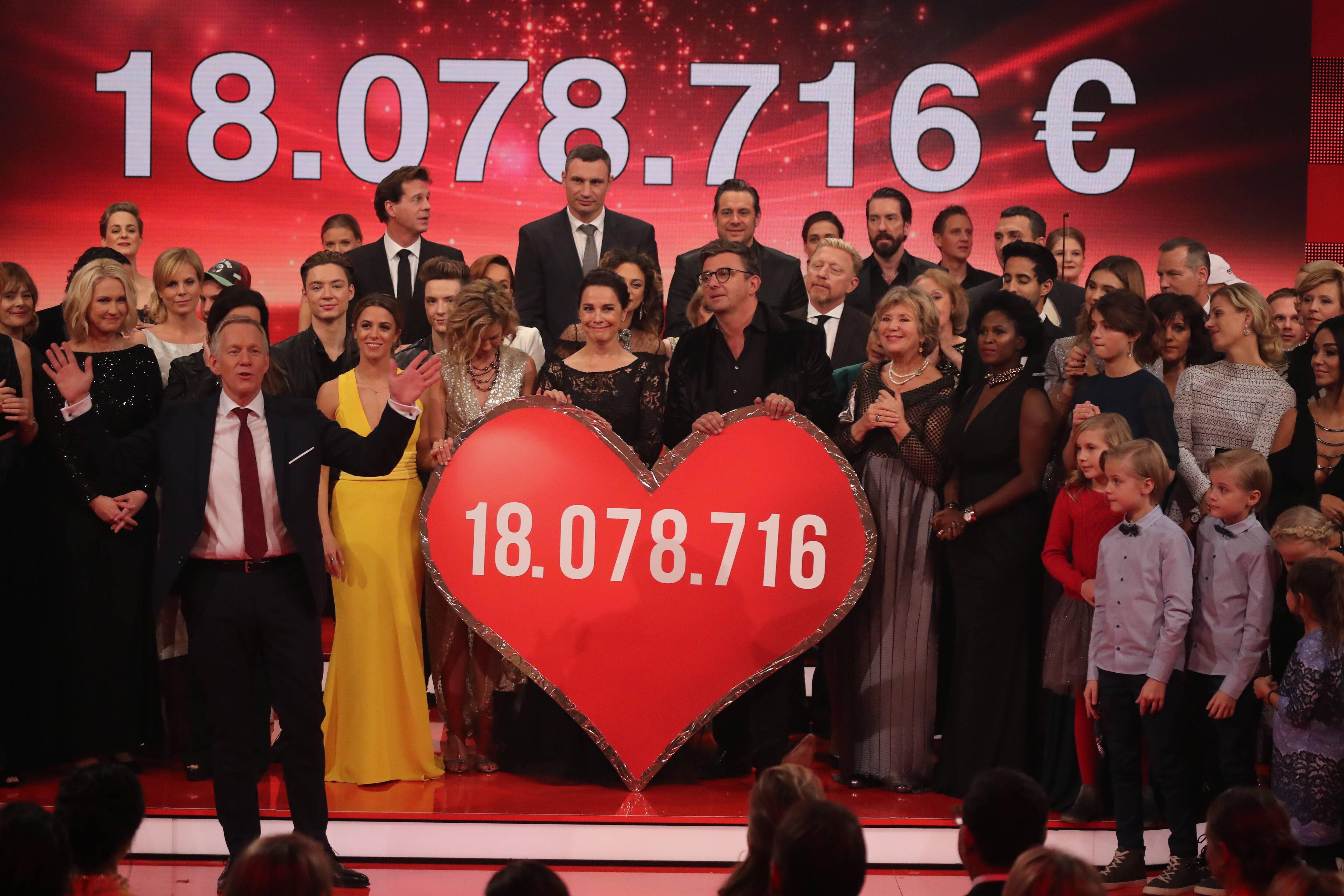 """""""Ein Herz fŸür Kinder"""" - Gala / EHfK Berlin 03.12.2016 - 18 Millionen Euro gespendet © F-o-t-o-g-r-a-f / Ein Herz füŸr Kinder"""