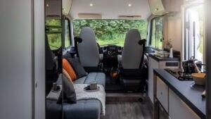 Das Showcar verfügt über zwei Sitzplätze mit Sicherheitsgurt