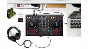 Ersteigern Sie einen exklusiven Einsteiger DJ-Kurs und ein Paket mitdem notwendigen Equipment